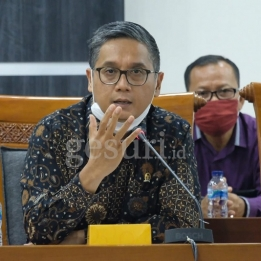 Komisi X Minta Kemendikbud Batalkan PPDB DKI 2020