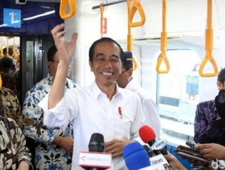 Survei: Kepribadian Jokowi Lebih Baik Dari Prabowo
