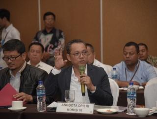 Deddy Minta Keluarkan Larangan Perjalanan dari dan ke China