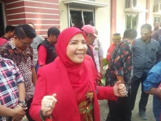 Eva Tunjuk Dedi Jadi Cawali Kota Bandar Lampung
