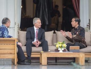 Presiden Ajak Bicara Tony Blair dan Masayoshi Son Untuk Ini