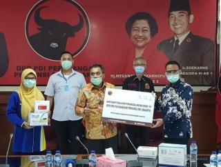 PDI Perjuangan DKI Jakarta Beri Bantuan APD ke RS Islam