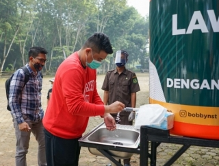 Bobby Nasution Sumbang Tandon Air di Medan Zoo