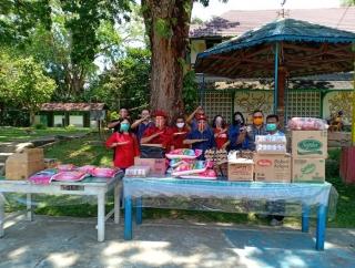 Rumpak Salurkan Sembako & Vitamin ke Seminari Menyurai