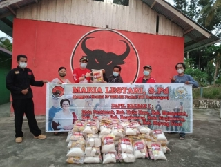 Maria Lestari Beri Bantuan Bagi Korban Bencana Mempawah