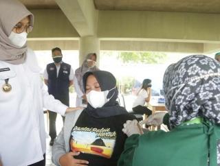 Ipuk Bertekad Tuntaskan Vaksinasi 5.300 Ibu Hamil