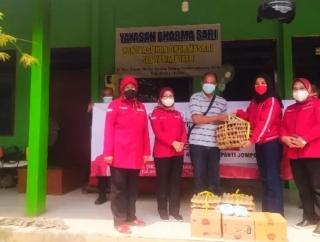Srikandi Banteng Lampung Baksos di Panti Asuhan & Jompo