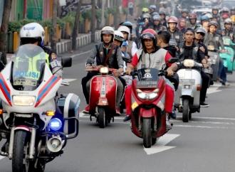 Aksi Hasanah Motoran Bareng Komunitas Vespa