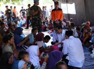 Temui Korban, Jokowi Janji Gulirkan Rp50 Juta untuk Renovasi
