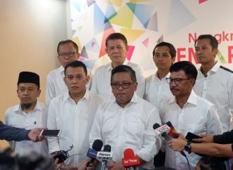 Canda Hasto di Hadapan Relawan Jokowi