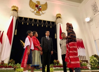 Anak Belu Pemanjat Tiang Bendera Bertemu Jokowi