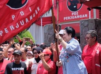 Megawati Lepas Bantuan Tahap II Korban Gempa Sulawesi Tengah