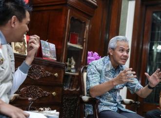 Pemprov Jateng Serahkan Bantuan ke Korban Gempa Sulteng