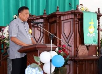 Gubernur Olly Ingatkan untuk Saling Membantu Sesama