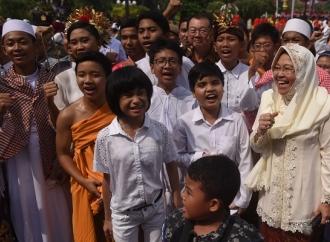 Surabaya Dilewati 2 Patahan Aktif, Risma Minta Warga Tenang