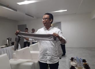 Sorban Kesayangan Kiai Ma'ruf Dilelang untuk Korban Gempa