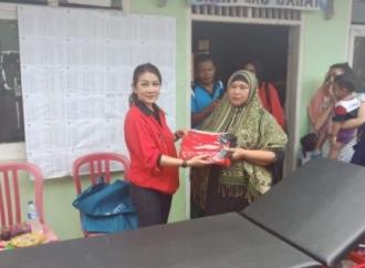 Ike Beri Bantuan Alkes ke Posyandu di Kota Serang