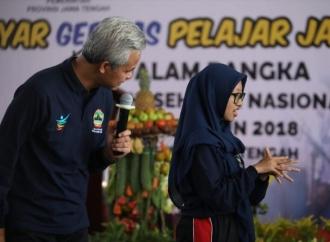 Keseruan Siswi SMK Dapat Salam Saranghae dari Ganjar