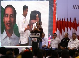 Jokowi Jalan Sehat di Sumatera Selatan