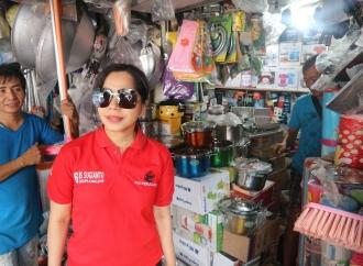 Bertemu Konstituen, Bunda Iis Blusukan di Pasar Jelambar