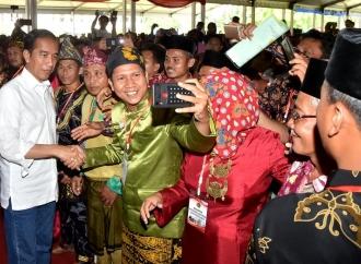 Presiden Serahkan 6.000 Sertifikat Tanah di Jambi