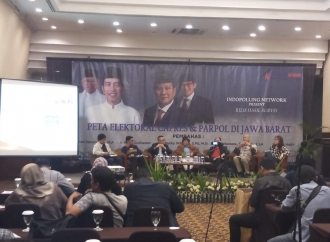 Survei : Jokowi-Ma'ruf Unggul Telak di Jabar Timur