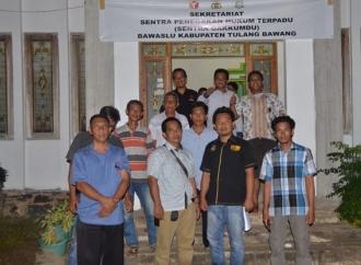 Tim RA HY Laporkan Oknum TNI AU Perusak APK ke Bawaslu Tuba