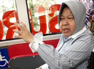 Warga Miskin Surabaya Terima Bantuan PBI BPJS Kesehatan