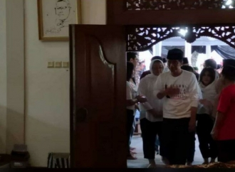 Jokowi Melayat ke Rumah Duka Wakil Direktur TKN