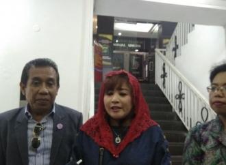 """Dewi Tanjung Laporkan Amien Rais Soal """"People Power"""""""