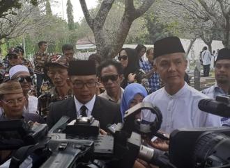 Melayat, Ganjar Bagi Kenangan Manis Bersama Ani Yudhoyono