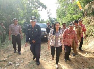Karolin Dorong Penyelesaian Akses Jalan di Desa Gamang