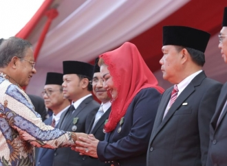 Wawali Semarang Terima Penghargaan Satyalancana