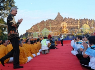Ganjar Targetkan 5 Juta Umat Budha Kunjungi Borobudur