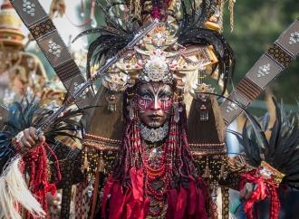 Ganjar Hadiri Solo Batik Carnaval ke-12