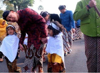 Aksi Tradisi Potong Rambut Gimbal Berpotensi Sedot Wisatawan