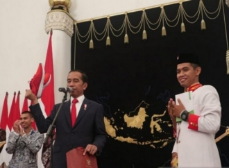 Siswa Asal Sulsel Dapat Sepatu dari Jokowi
