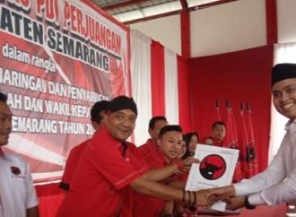 DPC Semarang Terima Formulir Suami Artis Chacha Frederica