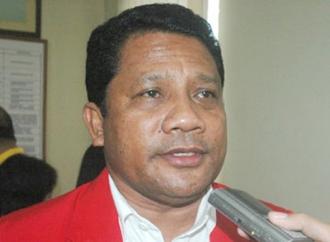 PDI Perjuangan Bagikan Bantuan ke Korban Gempa Maluku