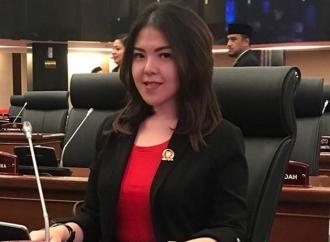 Tina Toon Ajak Mahasiswa Melek Dunia Politik
