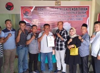 PDI Perjuangan Mura Terima Pengembalian Formulir 10 Kandidat
