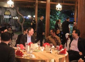 Rudy Jamu Makan Malam Wapres China