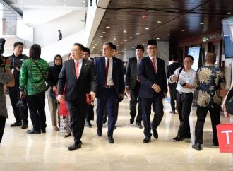 Putra Nababan Hadiri Pelantikan Jokowi-Amin