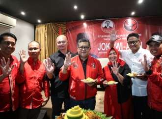 Hasto Kristiyanto Hadiri Syukuran Bersama Arus Bawah Jokowi
