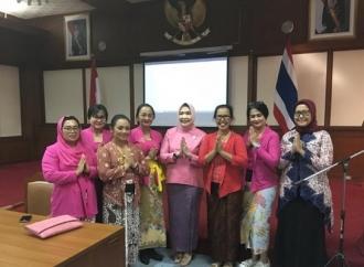 Rampak Sarinah Ramaikan Kampanye Kebaya di Thailand