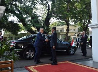 Bertemu PM Viktor Orbán, Jokowi Bahas Beasiswa & Sepakbola