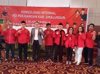 PDI Perjuangan Simalungun Lantik 53 Pengurus Anak Ranting