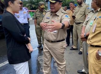 Banjir Jakarta, Tina Sindir Anies: '3 Tahun Ngapain?'