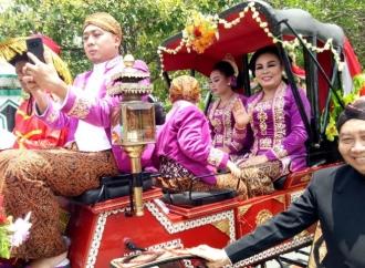 Kirab Boyong Grobog, Sri Sumarni: Momentum untuk Berbenah