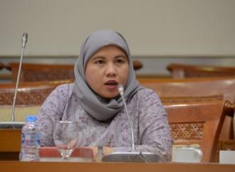 Diah Serahkan Ribuan Masker dan APD di Kota Bogor